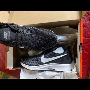 Nike flyease 8.5 wide
